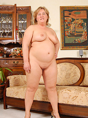 BBW can\\\\\\\'t wait to get cock all in her big pussy!