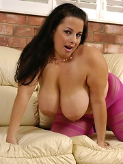 Heavy tits get covered in jizz!