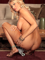 Slim blond mature want to get cock