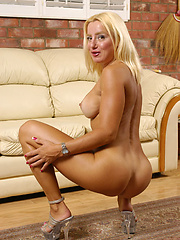 Blonde bombshell MILF rides the baloney pony