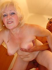 Aged granny loves to be fucked