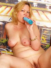 Over 50 slut loves to get fucked hard!