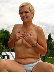 Older slut gets slammed in her crusty old cunt!