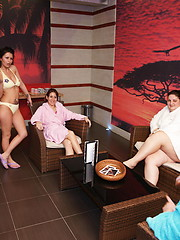 Have a look in an all female mature sauna