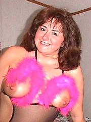 Matures naked boobs pics