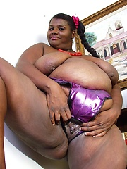 Fat black mama ready for real action