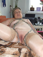 Kinky mama loving to get tied up