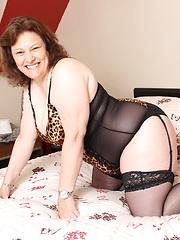 Chubby Big booty British housewife playing alone