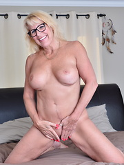 Naughty Canadian housewife getting fisky in bed