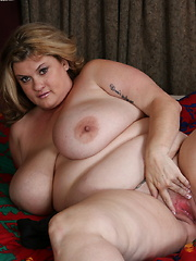 Huge breasted American BBW playing with herself