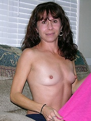 Amateur Soccer Mom Modeling Nude - Sage Model