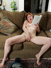 Short-haired mom grabs her hairy pussy