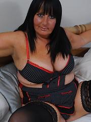 Horny mature slut getting herself wet