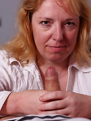 This naughty housewife loves to suck cock