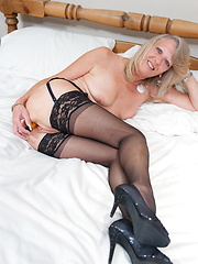 This blonde mama loves to get naked and get dirty