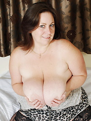 This hot mature has huge tits