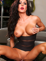 Feder Girl Pics - Jessica Jaymes takes a trip to a Beverly Hills mansion