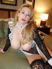 Wifey masturbates with a dildo while dressed as a French maid