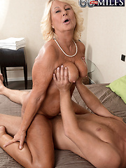 Regi Gets Her Creampie