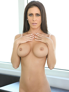 mature porn model Jessica Jaymes
